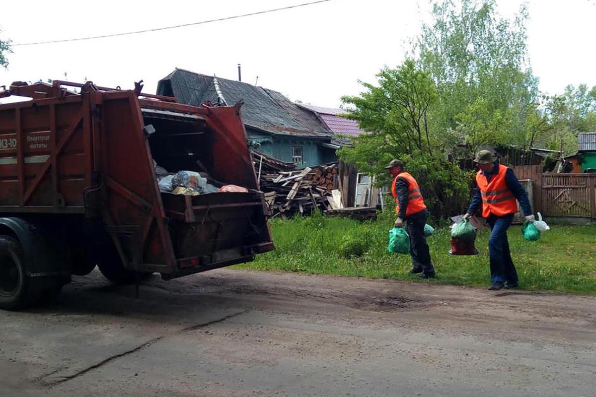 В Новозыбкове жителям частного сектора придется две недели «мариновать» мусор дома