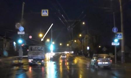 Попавшая в сеть съемка с нарушением ПДД обернулась брянскому водителю ГАЗа штрафом