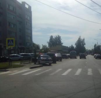 На улице Красный Маяк в Брянске женщина угодила под колеса иномарки